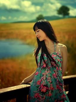 娇妻模特演AV长篇小说*我与妺的h校园