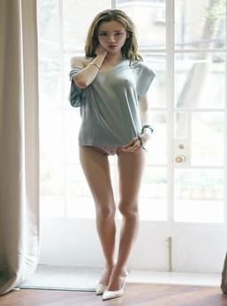 推高她的裙子挺身而入*13女同学叫我帮她洗澡